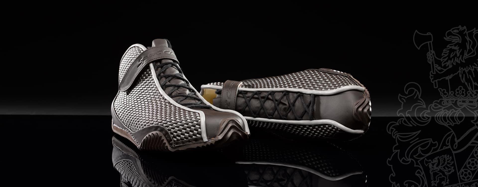 Im Schuhbereich gibt es verschiedene Arten das Obermaterial, den sogenannten Schaft mit der Zwischensohle zu verbinden. Die haltbarste Verbindung ist eine Naht.